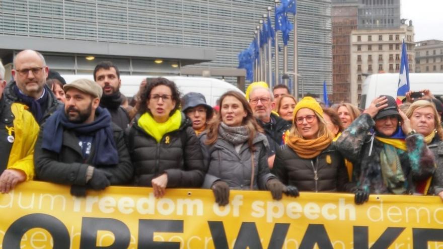"""Rovira (ERC) llama desde Bruselas a votar el 21-D para """"validar y reconstruir la república"""""""