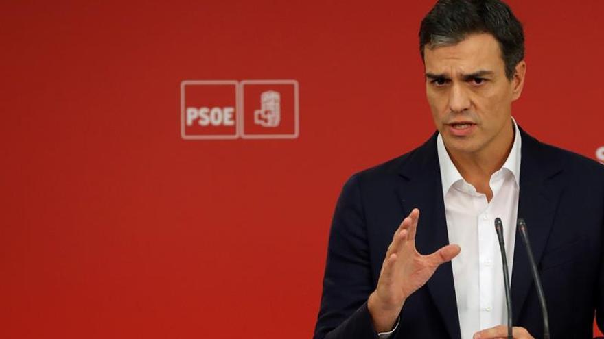 """Sánchez: """"El PSOE opta por defender la Constitución y no prolongar la agonía"""""""
