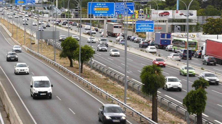La carretera deja 12 muertos, entre ellos un ciclista, el fin de semana