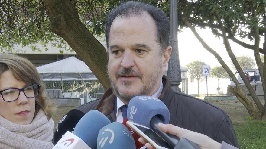 """Iturgaiz exige a Urkullu que cesen los """"desahucios"""" en las residencias y acepte ya hospitales de campaña"""