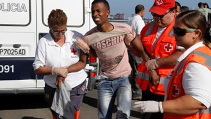 Uno de los inmigrantes llegados en la embarcación. (ACFI PRESS)