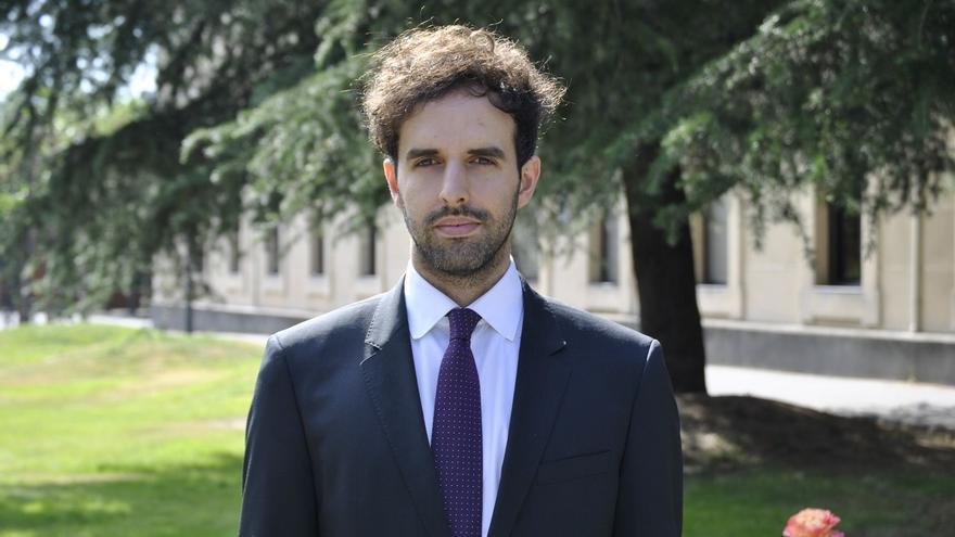 Un graduado en Derecho de la UPNA recibe un premio en Holanda que reconoce la excelencia en la investigación