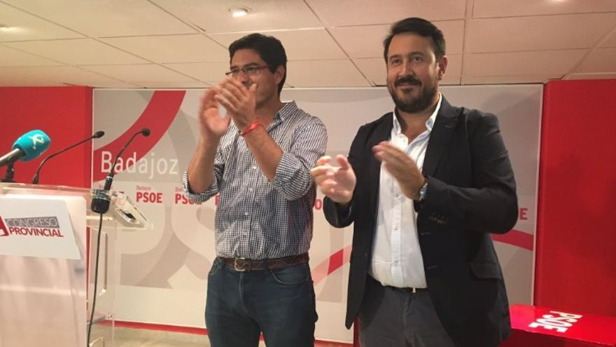 Lemus junto a su contrincante, Díaz Farias / @PsoeBadajozCEP