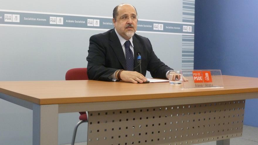 """Prieto (PSE) cree que López es el candidato ideal para el PSOE y subraya que trata de evitar """"un choque de trenes"""""""