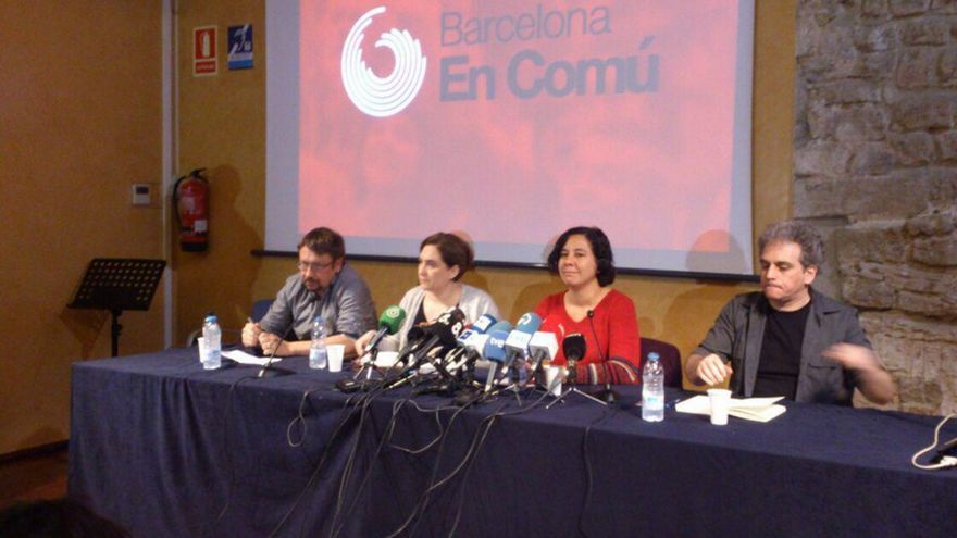 Los líderes de En Comú, Domènech, Colau, Segovia y Expósito, durante la rueda de prensa