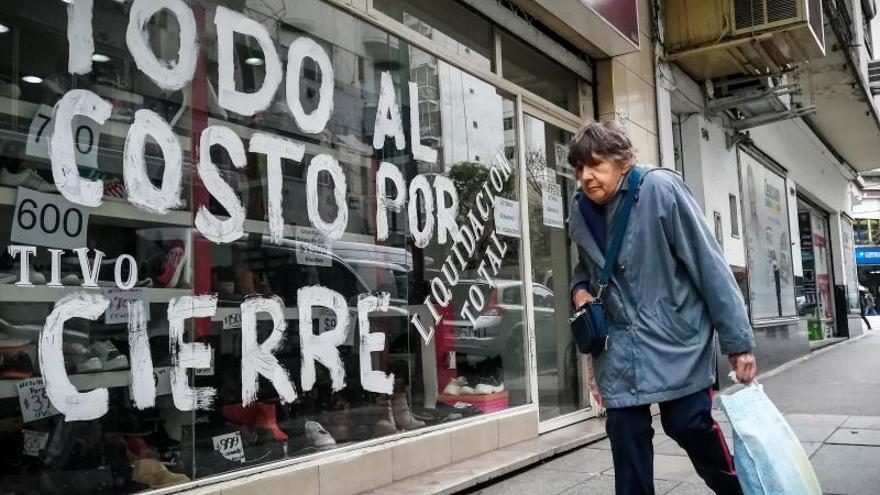 """Argentina busca poner freno a la espiral de la crisis tras un """"agosto negro"""""""