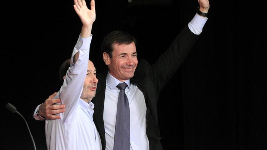 """Rubalcaba se siente """"razonablemente cómodo"""" en su pacto con Rajoy para la UE"""