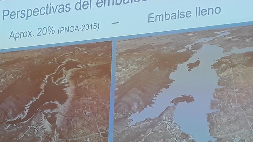 Embalse de Entrepeñas (Guadalajara) en una imagen que compara el pantallo lleno y la situación en 2015