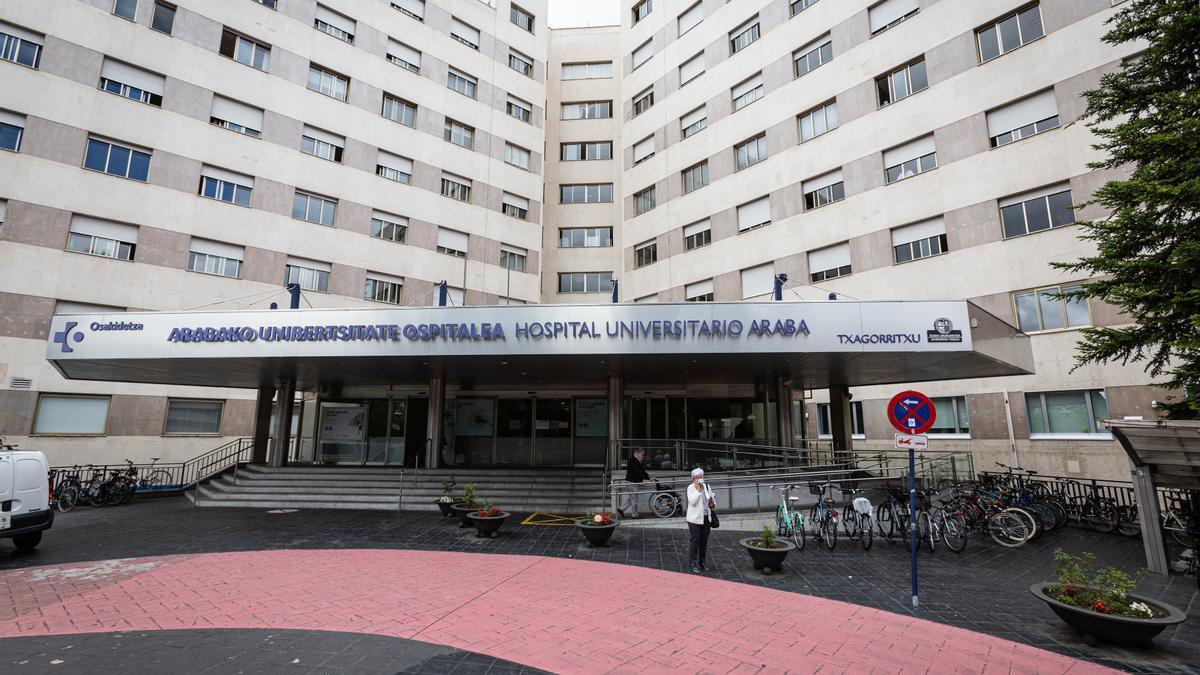 Exterior del Hospital de Txagorritxu (Vitoria).