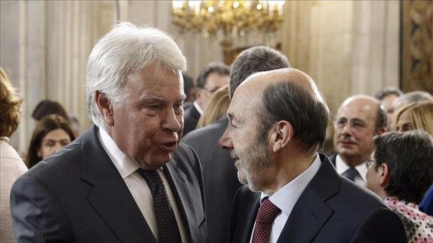 González y Rubalcaba protagonizan un acto el día del inicio de la campaña