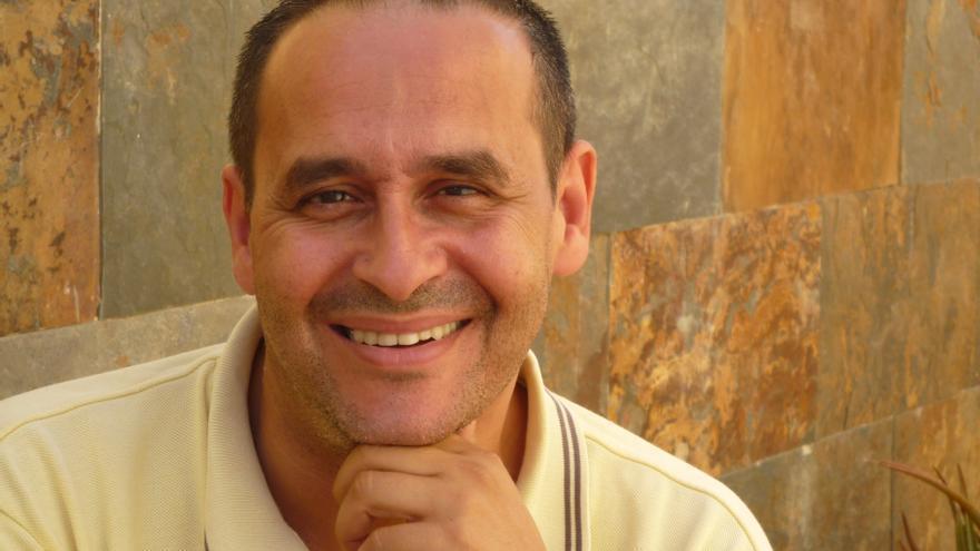 Hernández Lobo.