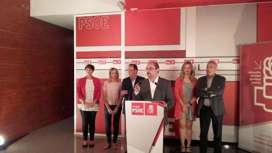 El presidente de Aragón, Javier Lambán, en la sede del PSOE en Zaragoza.