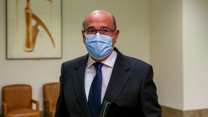 Diego Pérez de los Cobos, a su llegada a la comisión de investigación.