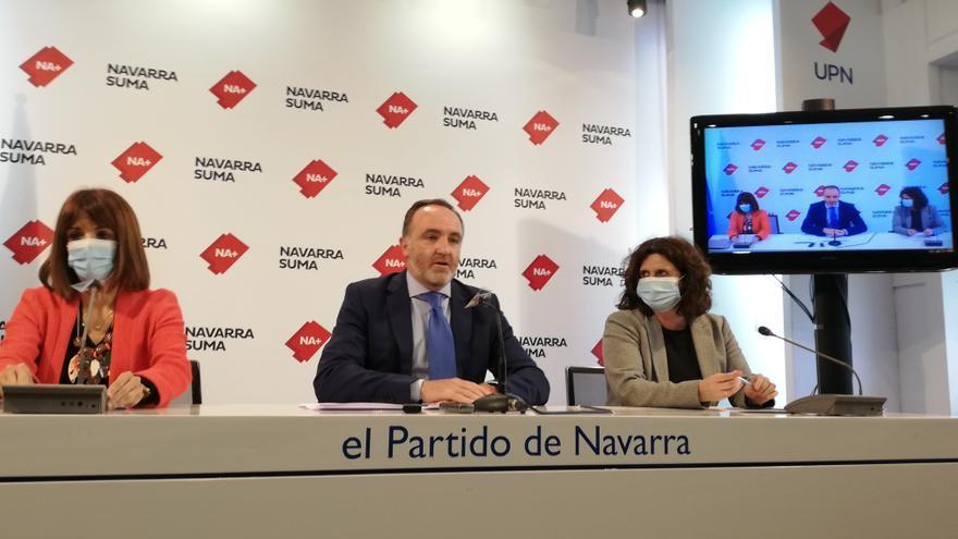 María Jesús Valdemoros, Javier Esparza y Marta Álvarez