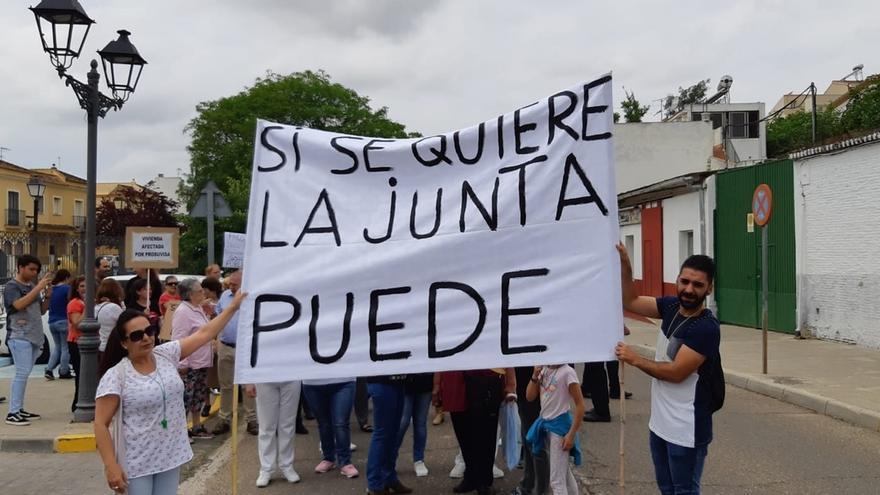 Los inquilinos de las VPO de Santiponce compradas por la Junta piden aclarar el futuro de sus contratos