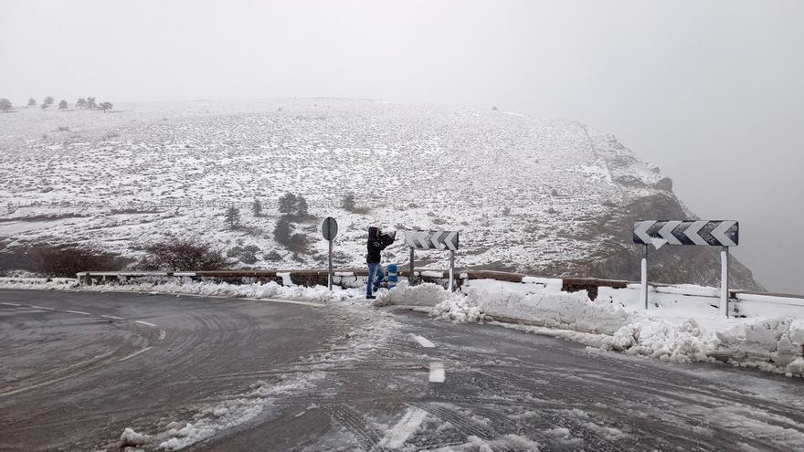 Activado este sábado el aviso amarillo por heladas y el domingo por nieve a 500 metros