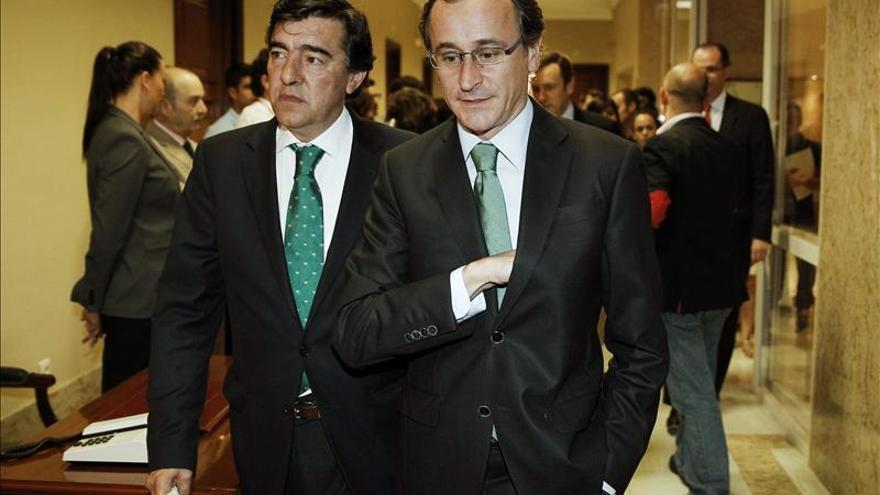 """El PP pide a Mas que vuelva al """"camino de la legalidad y el sentido común"""""""