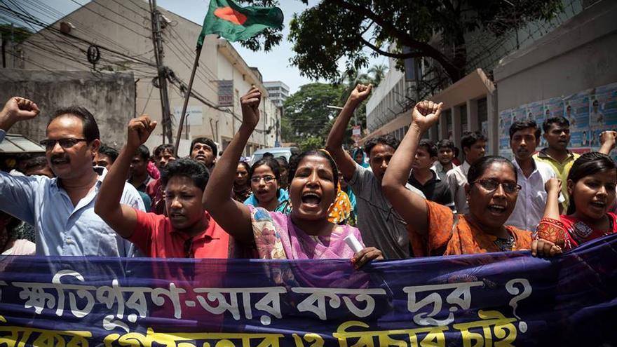 Manifestació dels supervivents de l'ensorrament del Rana Plaza / Campanya Roba Neta
