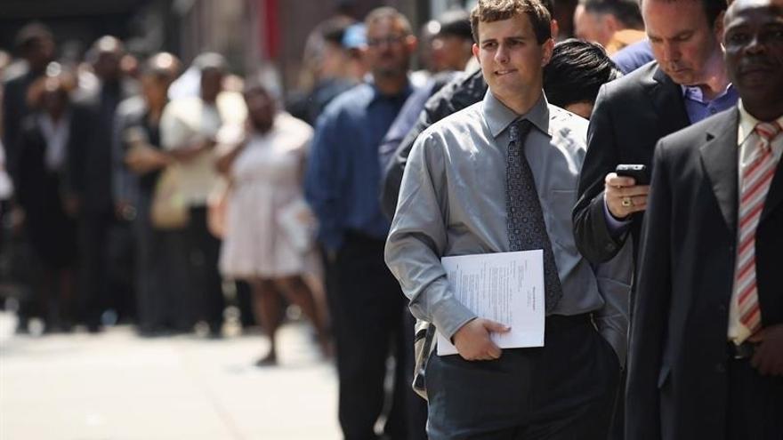 Aumenta la preocupación por el paro, aunque bajan los que descalifican la situación económica