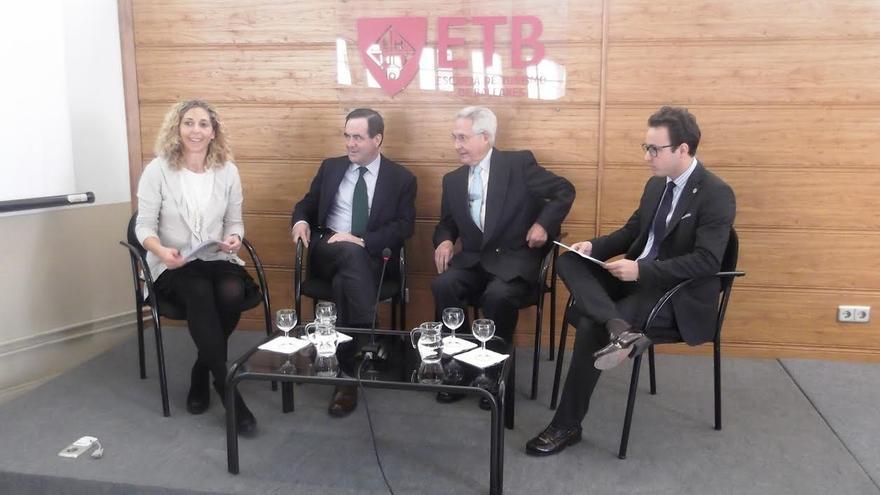 """José Bono considera que el bipartidismo se """"está acabando"""""""