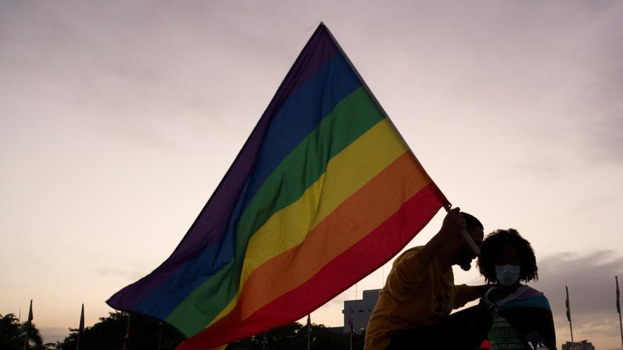 Colectivo LGBTI protesta ante el Congreso dominicano por permitir discriminación