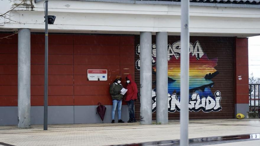 De Canarias al tapón de la frontera norte: Francia vuelve a poner a la Policía a impedir la entrada de migrantes en tránsito