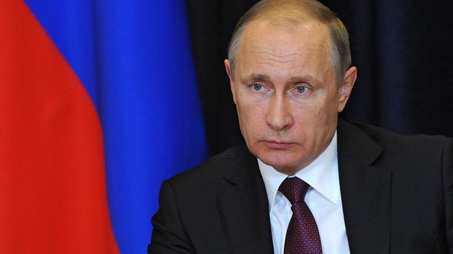 Putin alaba calidad de armas de alta precisión y naves aéreas rusas
