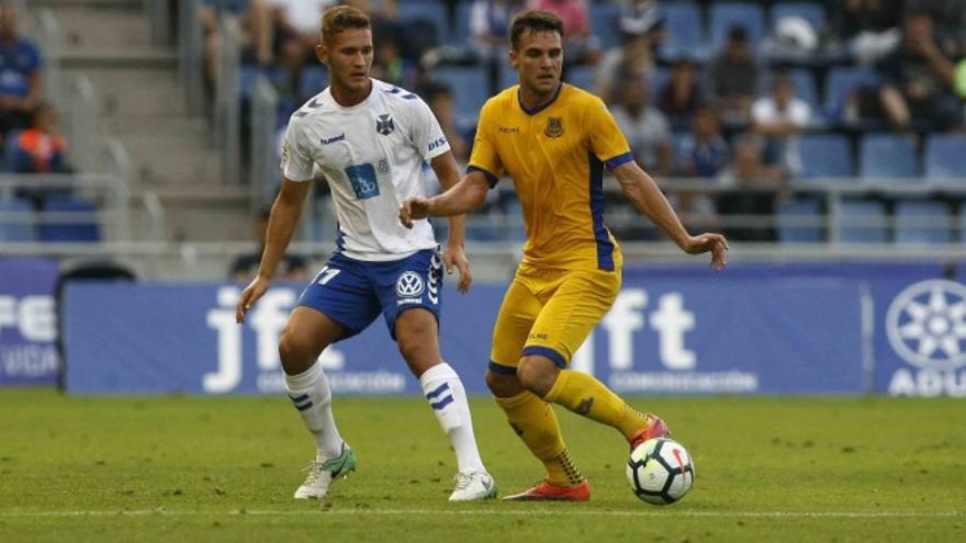 Partido entre el CD Tenerife y el Lorca.
