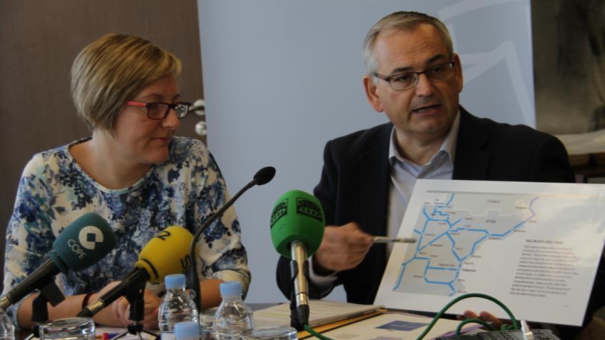 La consellera, María José Salvador, y el secretario autonómico, Josep Vicent Boira