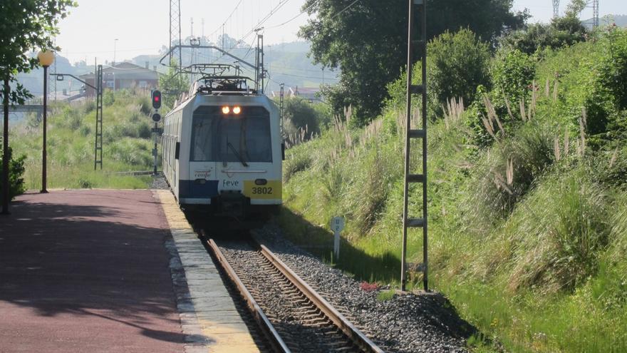 Renfe destinará 245.700 euros a mejorar 40 estaciones de tren, diez en Cantabria