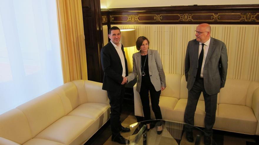 Forcadell enmarca la reunión con Otegi dentro de la normalidad del Parlament