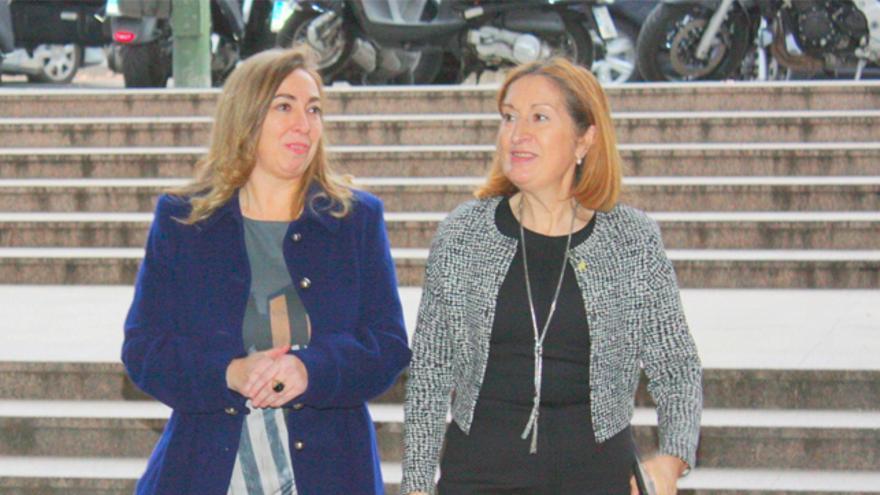 Lucía Molares y Ana Pastor, en enero de 2016.