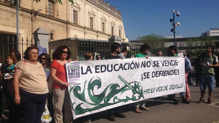 Unos 150.000 trabajadores y más de un millón de alumnos, llamados este jueves a secundar la huelga contra la Lomce