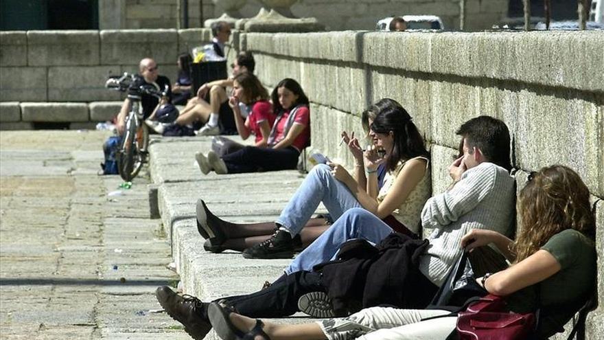 Los dermatólogos advierten a los adolescentes: el sol no mejora el acné