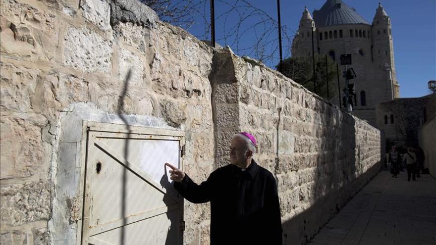 Detenidos dos menores judíos por pintadas en una iglesia de Jerusalén