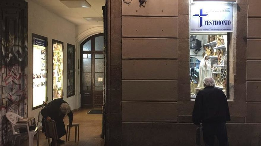 Un juez suspende los desahucios contra misioneras de Lumen Dei en Barcelona