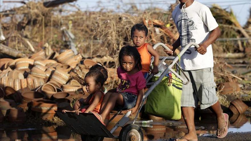 """Unicef distribuye ayuda de emergencia a unos 60.000 afectados por """"Haiyan"""""""