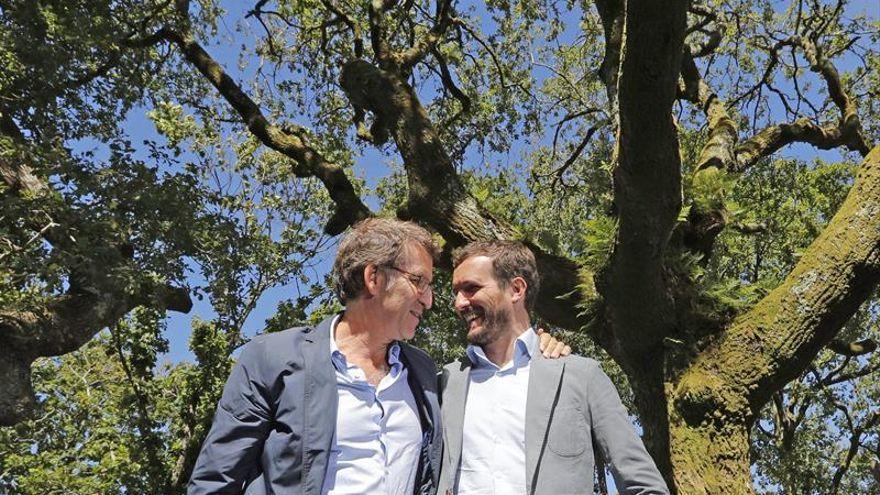 Feijóo y Casado durante la campaña de las elecciones gallegas