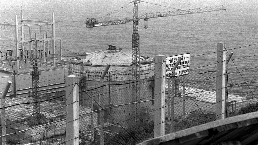 Las obras de la central de Lemoiz, en 1980. Foto: Archivo personal de Jonan Zinkunegi