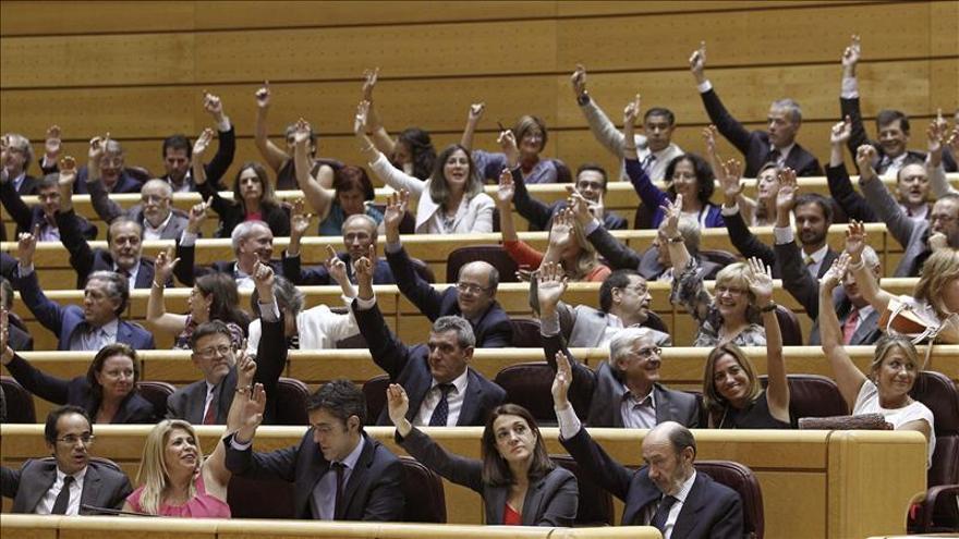 Rubalcaba y toda la oposición menos UPyD prometen por escrito abolir la Lomce