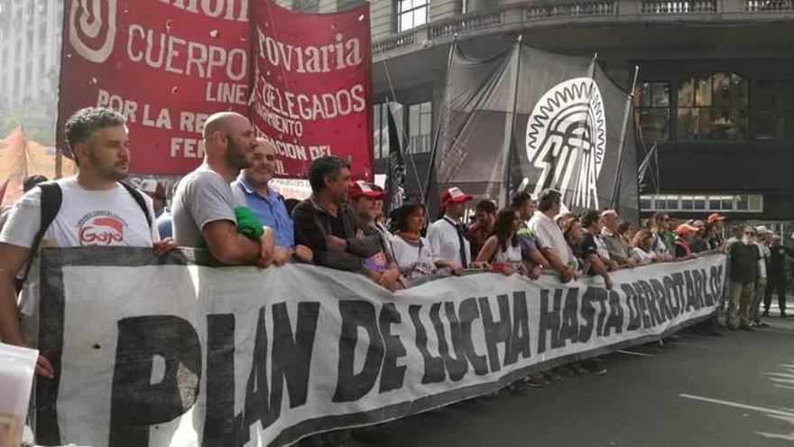 Imagen de los trabajadores ferroviarios durante las protestas de la huelga general de esta semana. Unión Ferroviaria.