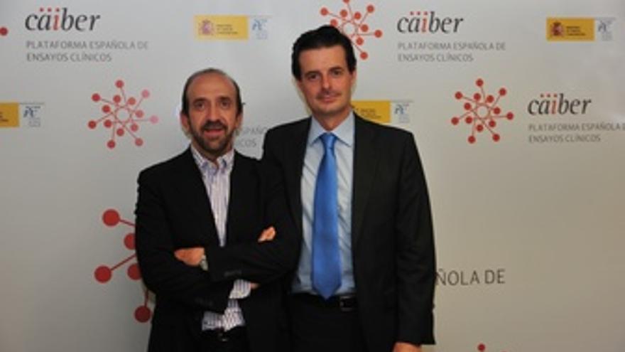 De Izquierda A Derecha, El Doctor Santiago Moreno Y Joaquín Casariego