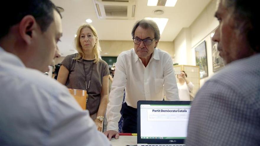 El tándem Mas-Munté y la lista de Marta Pascal ganan las primarias del PDC
