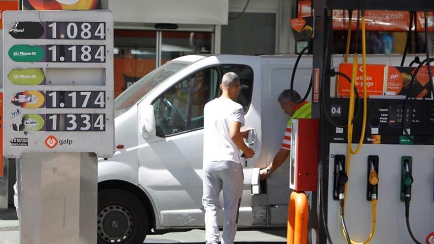 La gasolina mantiene su precio estable y el gasóleo sube un 1,10 por ciento