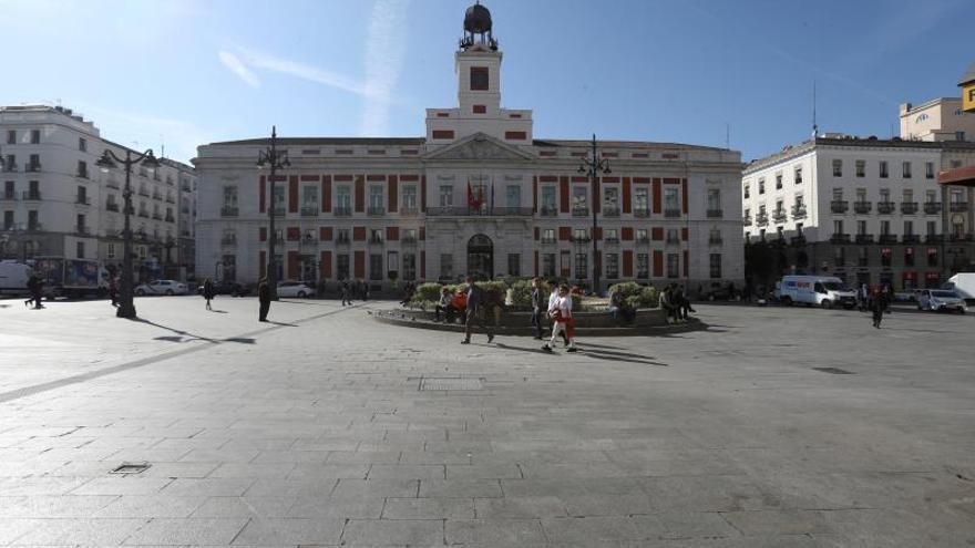 La Puerta del Sol, casi vacía.