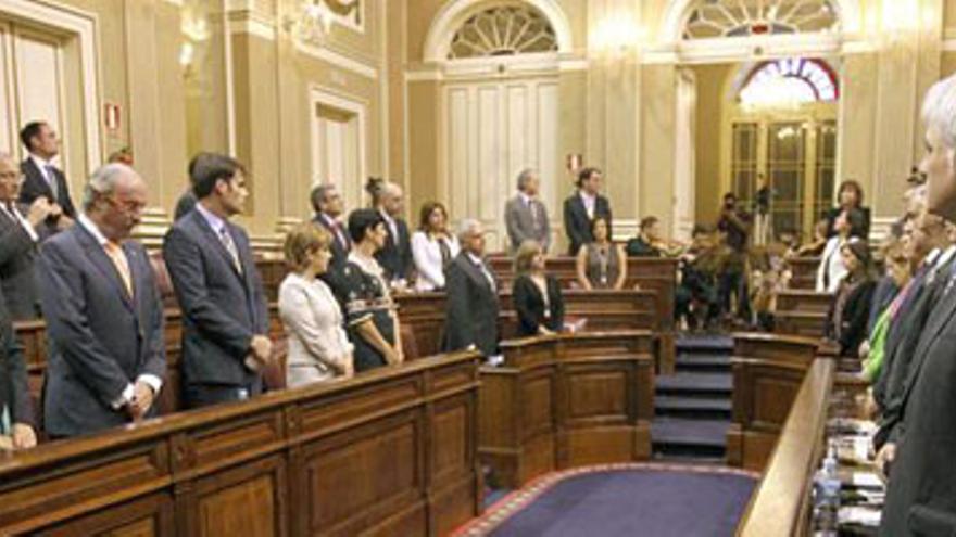 """Canarias se planta ante Rajoy: """"Ni un recorte más"""""""