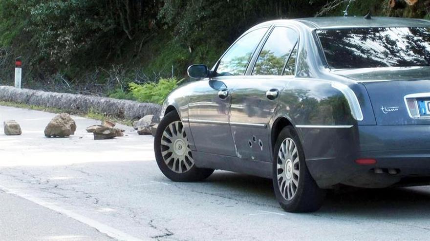 Ametrallan el coche en el que viajaba un exponente antimafia siciliano