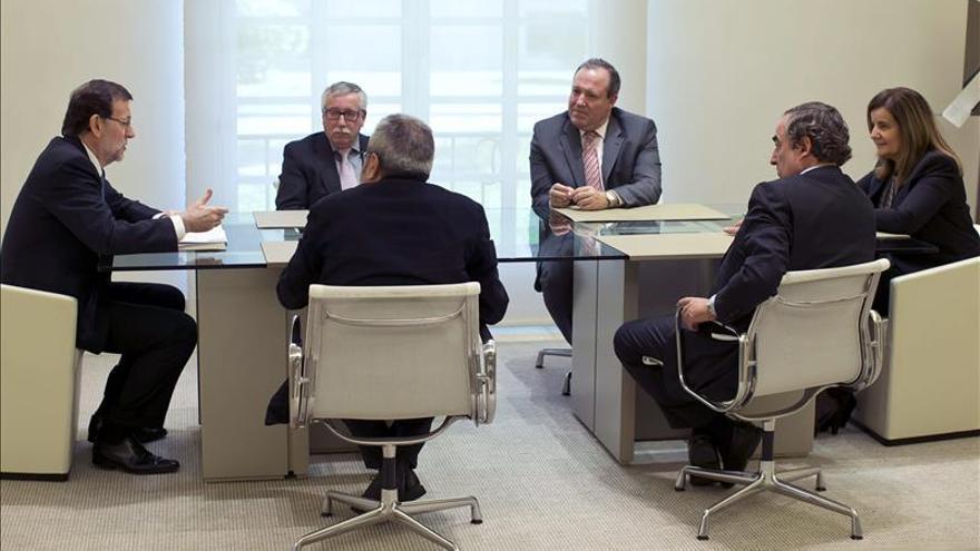 Rajoy se reúne con los agentes sociales para impulsar el diálogo social