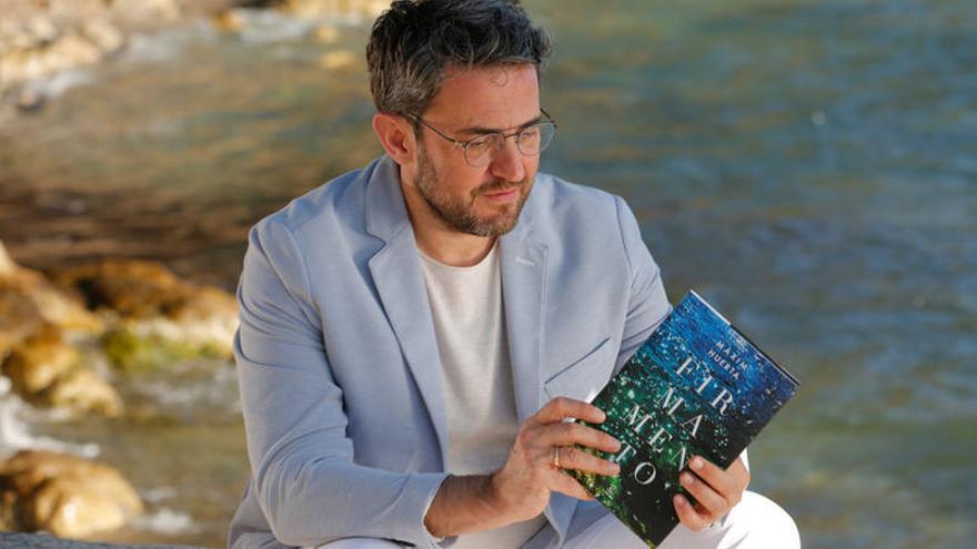 Màxim Huerta con su última novela 'Firmamento'