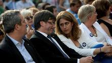 Pascal y Puigdemont, junto a diversos consellers, en un acto del PDECat
